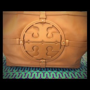 Tory Burch-Holly RESERVED @allenaber